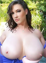 Lana Kendrick Tempting to See Wet and Naked Flaunting Her Big Titties